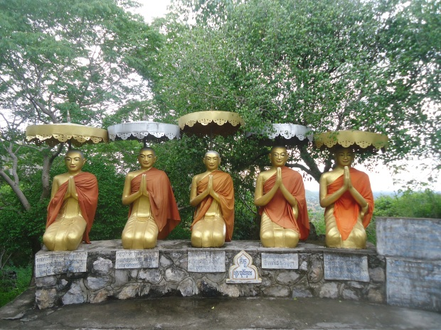 The Buddha on Phnom Sampoeu, Battambang